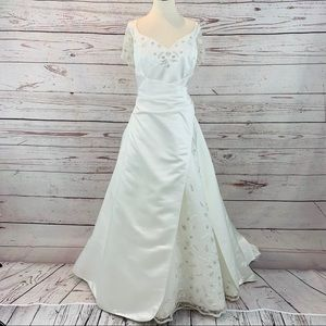 Alfred Angelo wedding dress train beaded lace
